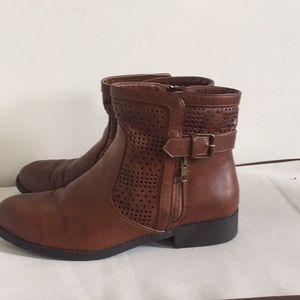 Short brown booties